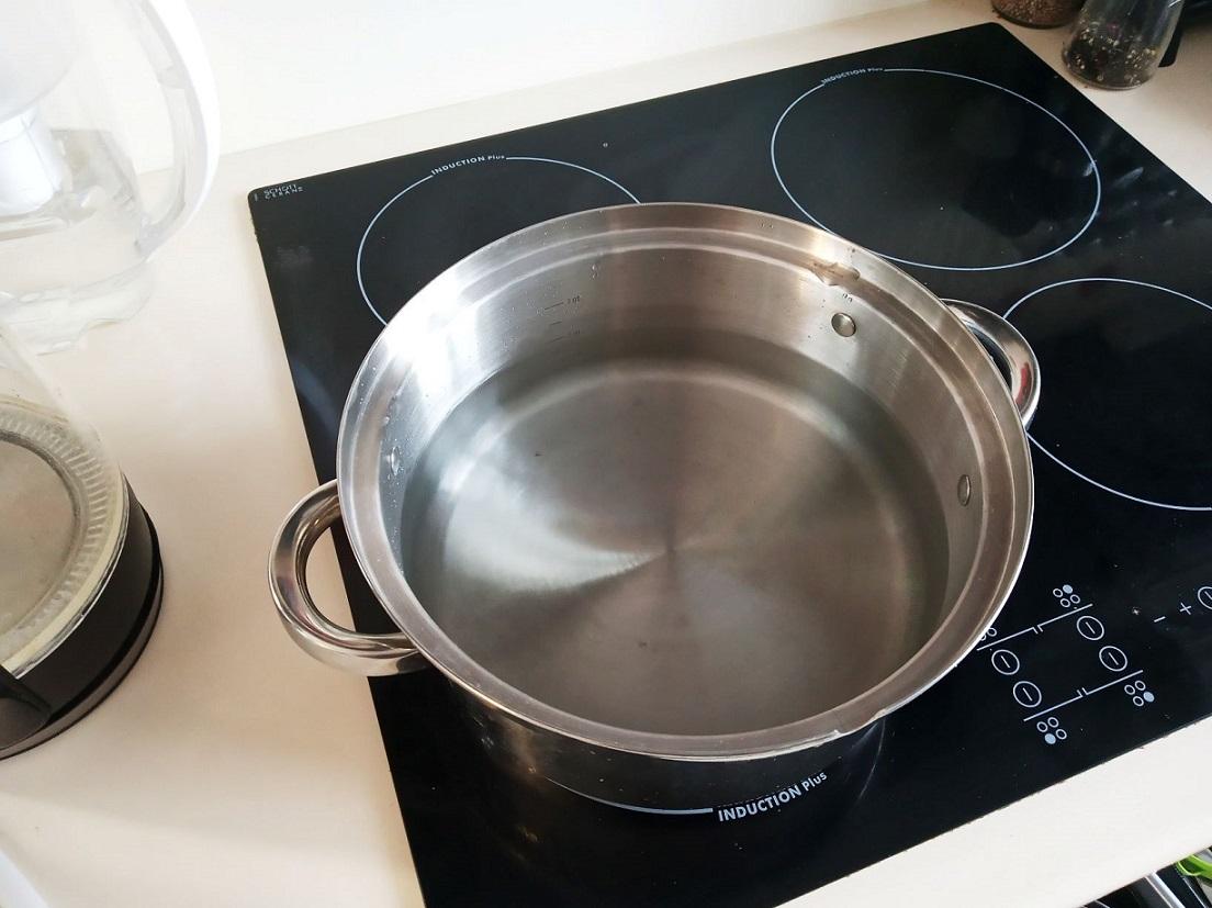 Najprostszy sposób na przygotowanie domowych soków na zimę.